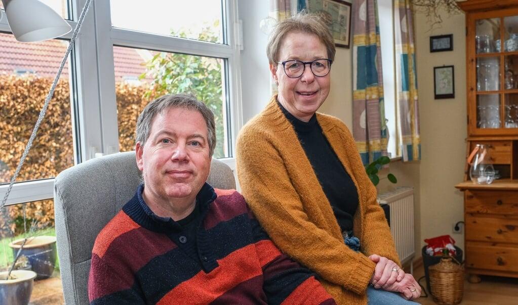 Lærerne Marie og Sten Andersen er havnet i en dum situation. På grund af de nye danske coronakrav kan Sten, der har en hjerneskade, ikke komme til talepædagog på den anden side af grænsen i Bov. Måske kan en venlig sjæl i Harreslev hjælpe?    (Sven Geißler)