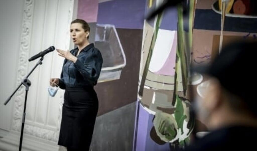 Statsminister Mette Frederiksen (S) siger efter EU-topmøde, at EU-landene er enige om at arbejde videre med dansk forslag om at distribuere vacciner, før de er endeligt godkendt. De skal dog først tages i anvendelse, når EU har godkendt dem, understreger hun, men formålet er at spare tid.  (Mads Claus Rasmussen/Ritzau Scanpix)