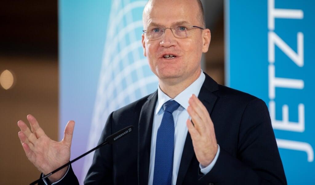 Som gruppeformand for CDU og CSU i Forbundsdagen er Ralph Brinkhaus (CDU) åben over for udgangsforbud.    (David Hutzler/dpa.)