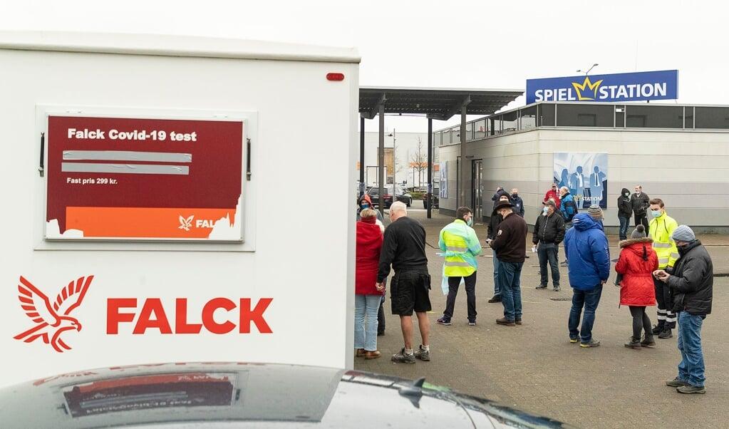 Søndag var køen til Falck testcentret i Hanved op til cirka 200 meter lang. Arkivfoto: Lars Salomonsen  (Lars Salomonsen.)