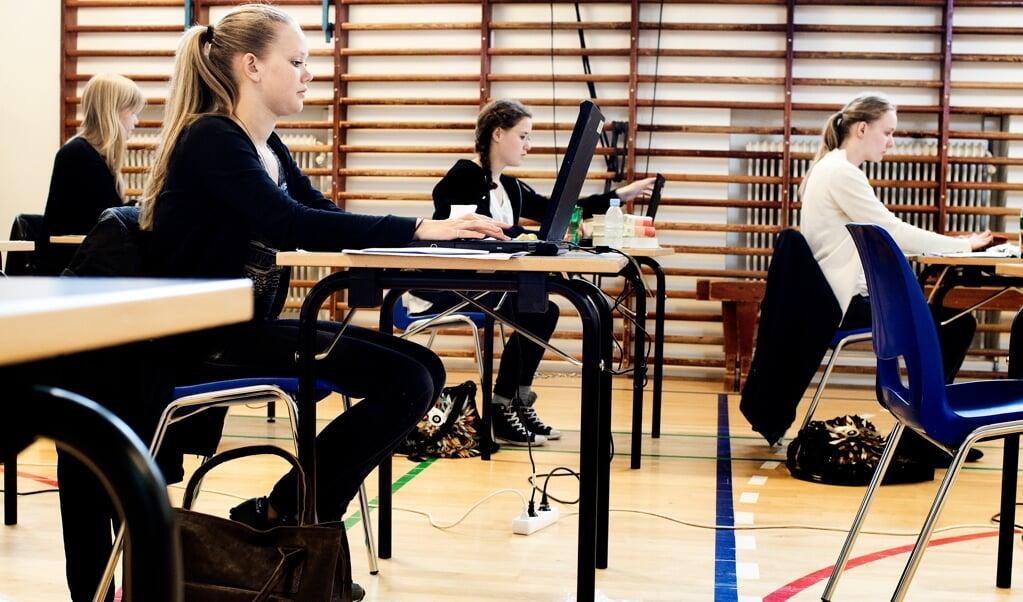 Eleverne fra Husum Danske Skole er i gang med eksamensforberedelser.   (Arkivfoto: Linda Kastrup/Ritzau Scanpix)