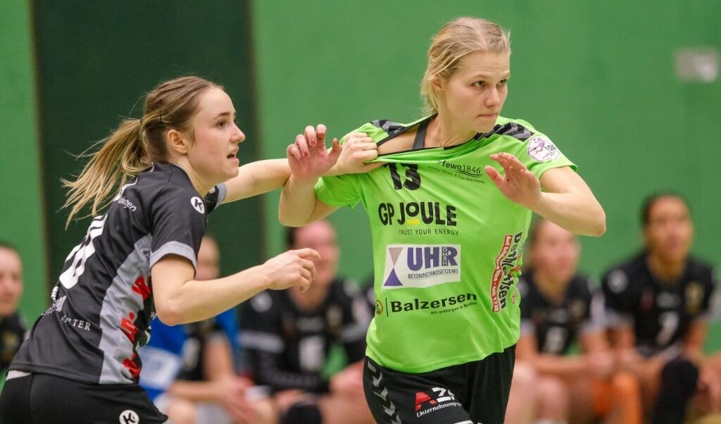 Kreisläuferin Denise Fries (r.) wird den Nordfrauen berufsbedingt fehlen.  ( Sven Geißler)