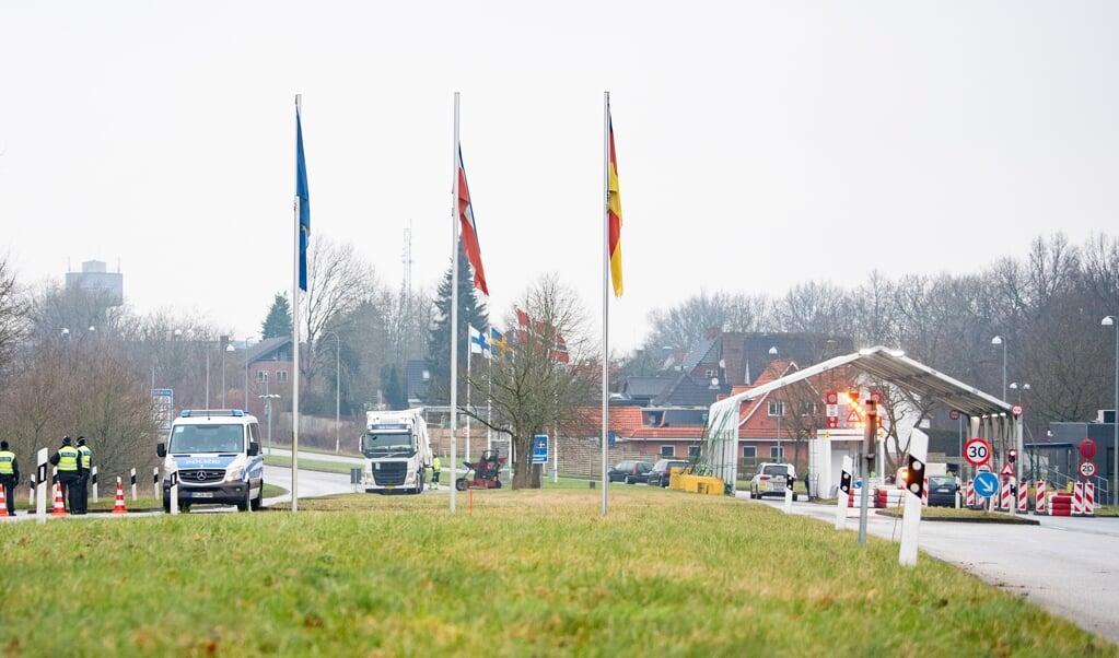 Det er længe siden, at grænsependlere reelt blev kontrolleret ved indrejse fra Danmark. Nu droppes kravet om testcertifikat helt.    (Kira Kutscher)
