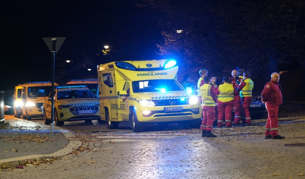 Flere ambulancer er onsdag aften rykket ud i Kongsberg i Norge, efter det politiet beskriver som en