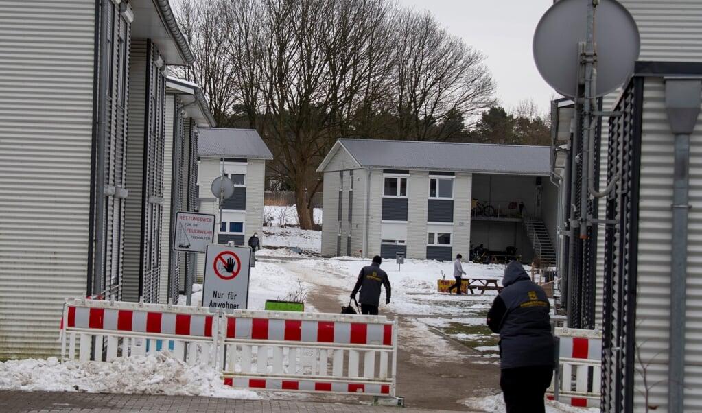 Sundhedsmyndighedens chef, embedslægen, koordinerer den store indsats i pandemien og afgør også, om hele områder skal sættes i karantæne, som her flygtningeboligerne på Friedensweg  Arkivfoto: Tim Riediger  (tim riediger)