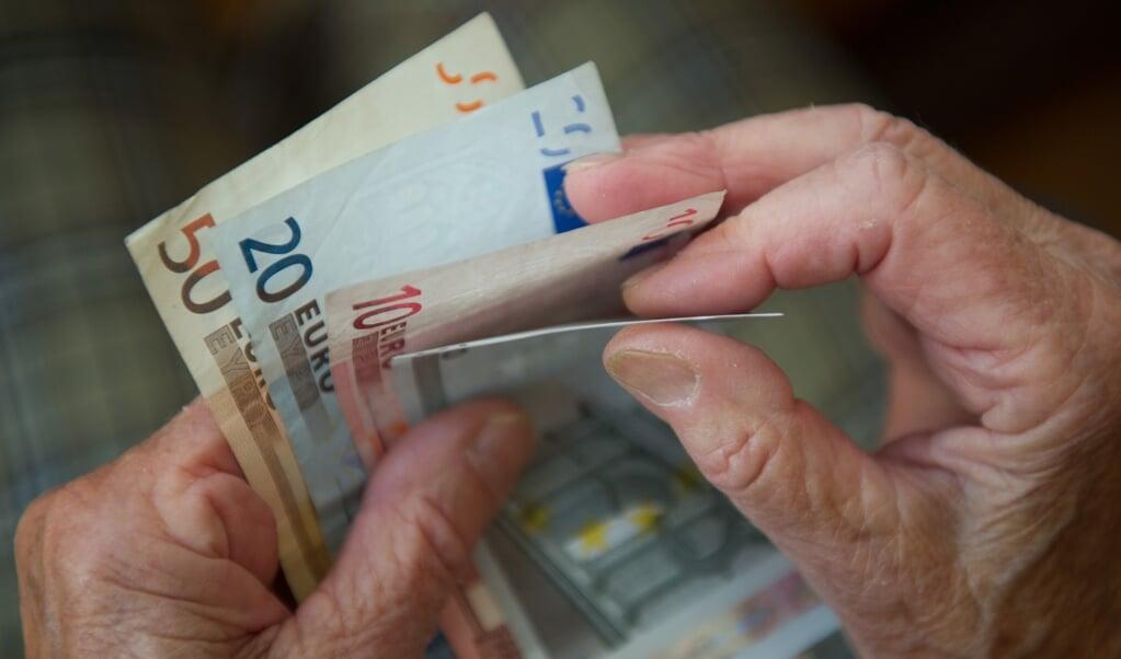 In der Pandemie haben mehr Menschen ihr Geld gespart oder in Immobilien und Wertpapiere investiert, stellt die Nord-Ostsee-Sparkasse in ihrem Geschäftsbericht für 2020 fest.  ( Marijan Murat/dpa)