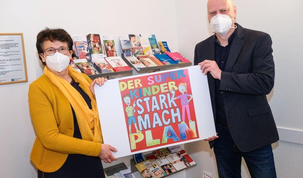 Ursula Funk fra Kinderschutz-Zentrum Westküste og Lars Wulff fra ungdomsportalen BISS Husum er blandt initiativtagerne til en forøget indsats overfor mistrivsel blandt børn og unge i Nordfrisland.   ( Sven Geißler)