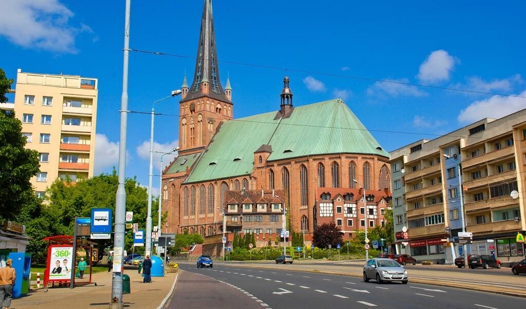 Den mægtige Marienkirche i Stettin var først katolsk, så protestantisk, og nu atter katolsk - som andre gotiske teglstenskirker i den del af Pommern, der efter 1945 tilfaldt Polen.   ( Hans Christian Davidsen)