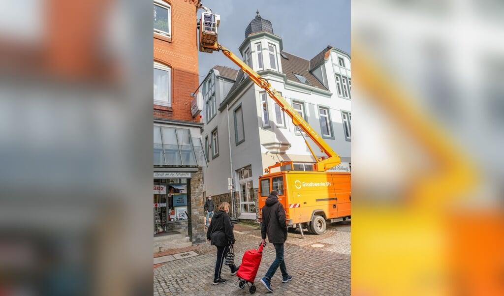 Am Dienstag wurden am Kornmarkt (Foto) und am Capitolplatz Passanten- Zähler installiert. Ab sofort werden die Besucherströme in der Fußgängerzone registriert.   ( Sven Geißler)