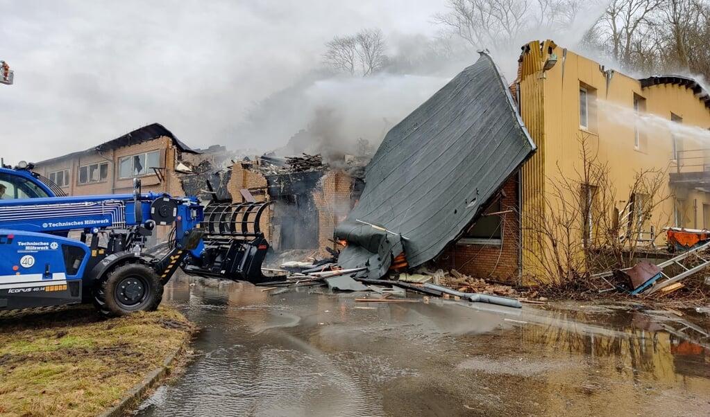 Branden er slukket og oprydningsarbejder er gået i gang.   (Nordpresse)
