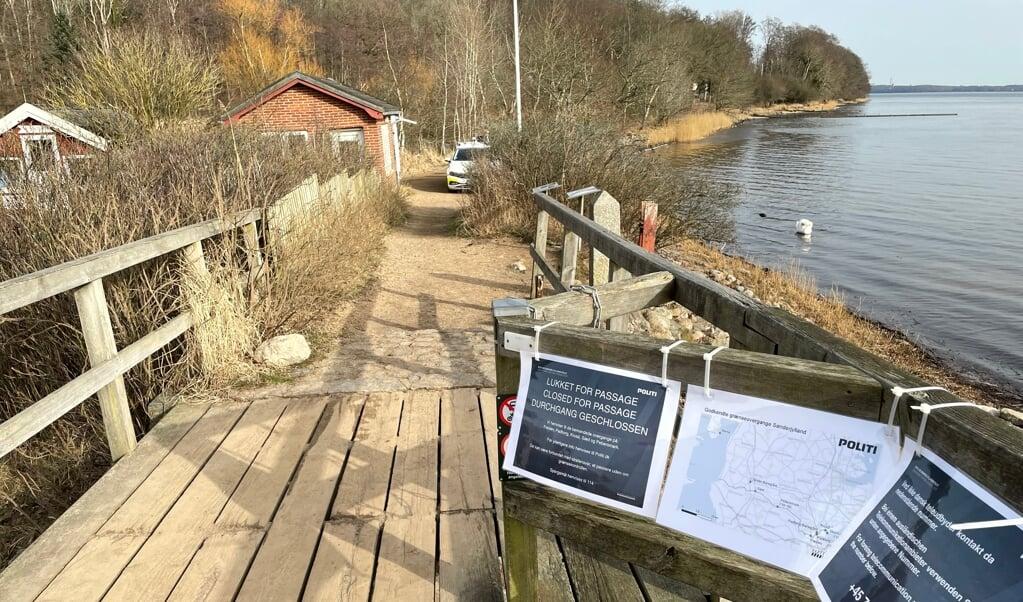 De små grænseovergange ved Sæd, Pebersmark og Skomagerhus er nu også mandsopdækket i dagstimerne, hvor alle uden anerkendelsesværdigt formål eller dansk pas afvises, hvis de forsøger at komme ind i Danmark. Alle kan krydse den anden vej.  ( Kasper Skovse)