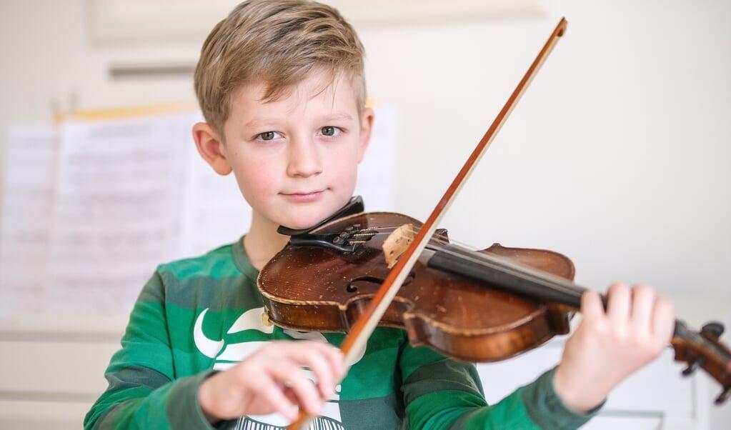 Emil har spillet i mange år. Selv om han har været træt af at spille på et tidspunkt, gav han ikke op, og det er han nu meget glad for.  ( Sven Geißler)