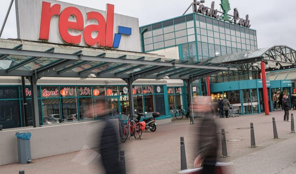 Nur noch ein Monat: Der Real im Fördepark schließt Mitte Oktober seine Türen. Archivfoto:  (Sven Geißler)
