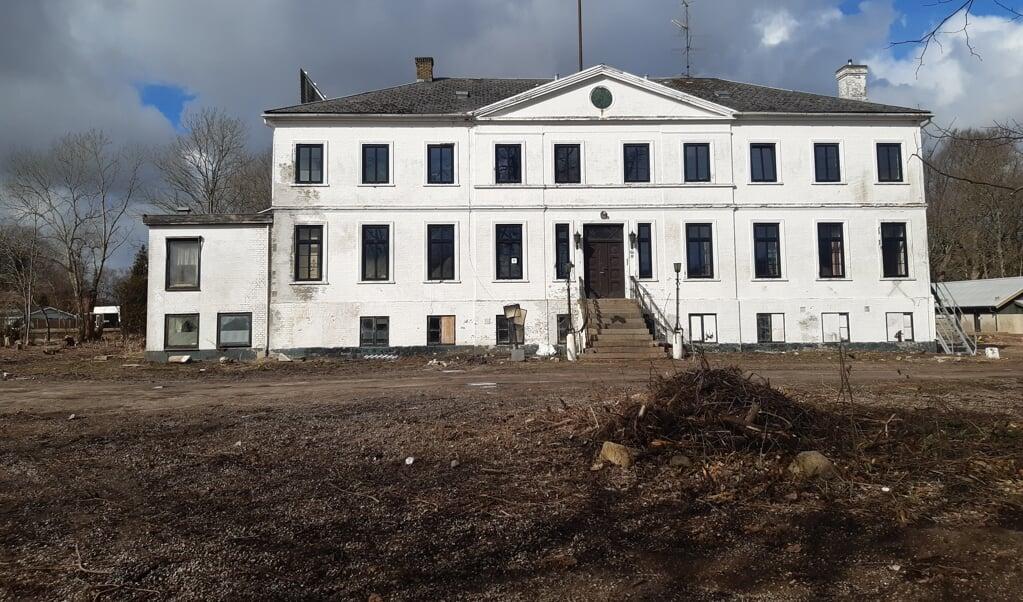 Der er nu søgt om nedrivningstilladelse på den sidste rest af Krusågård, den smukke hovedbygning fra 1846.   ( Museum Sønderjylland)