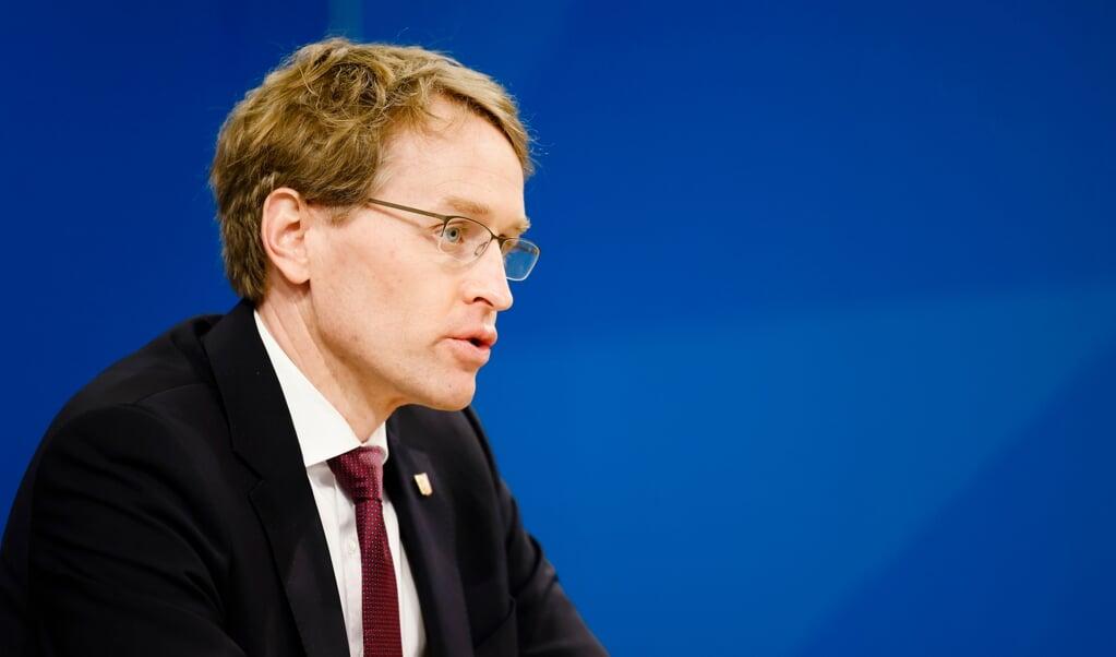 Ministerpræsident Daniel Günther præsenterede mandag eftermiddag de nye corona-regler på et pressemøde.  (Arkivfoto: Frank Molter/dpa)