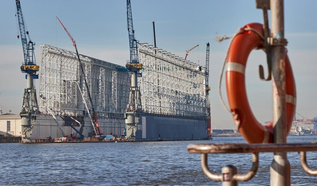 Die deutschen Werften - wie hier Blohm+Voss - befinder sich in einer schweren Krise. Schon vor der Coronakrise gab es Probleme, doch die Pandemie hat die Lage weiter erschwert.   (Georg Wendt, dpa)