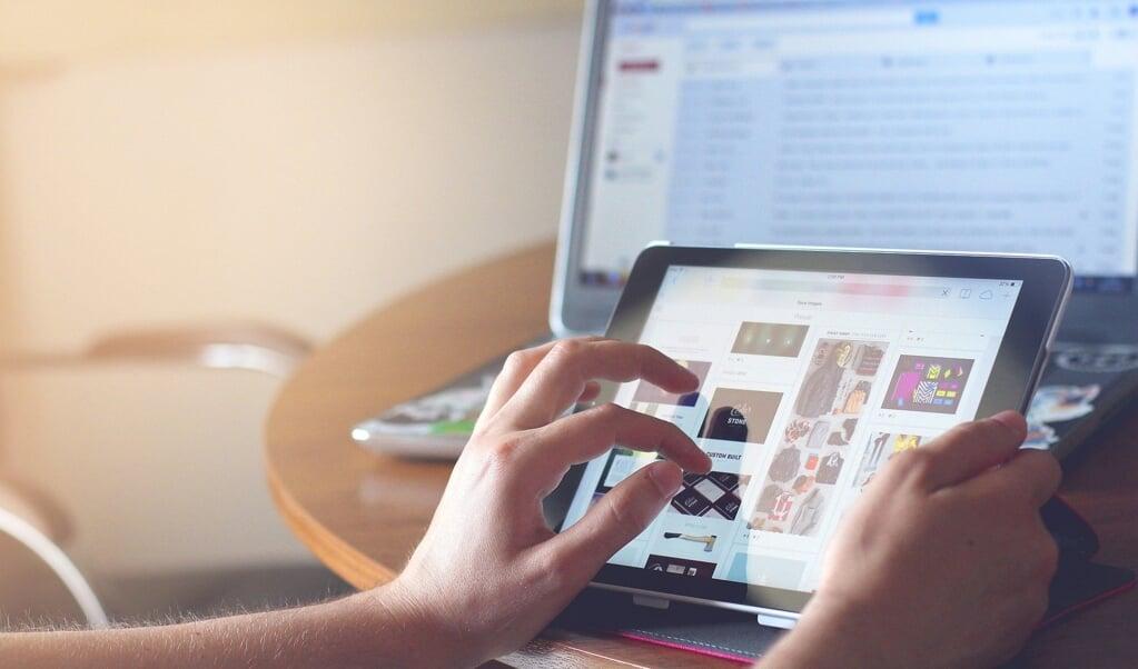 Fra begyndelsen af næste år kan kunderne i Egernførde benytte det nye glasfiber-net til hurtigt internet, TV-streaming eller telefonopkald.   ( Pixabay)