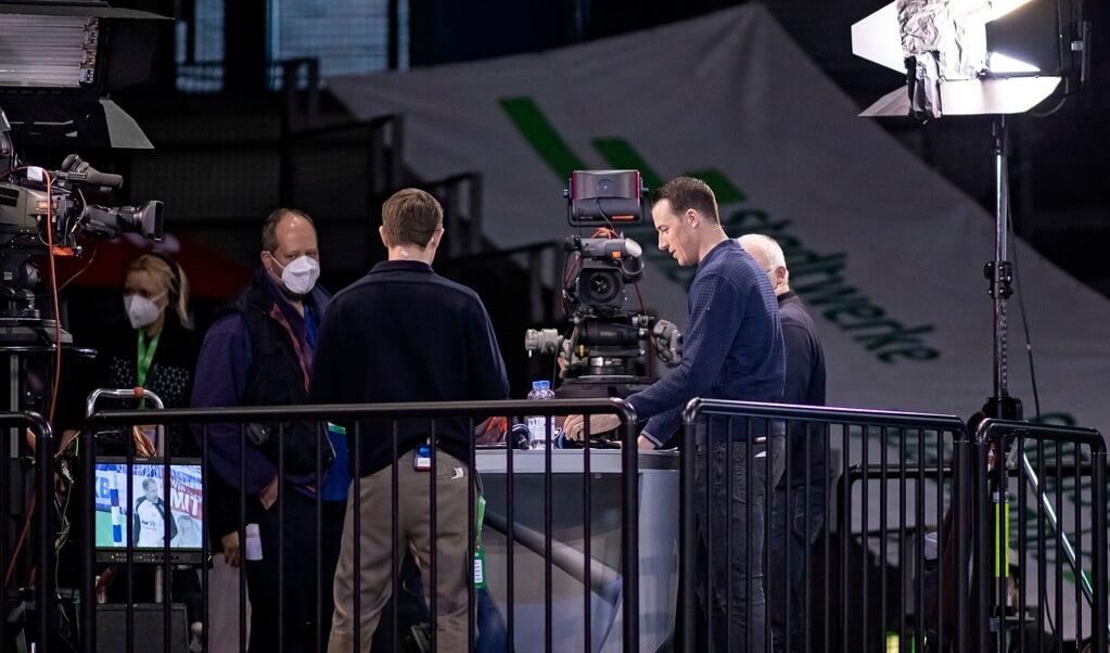 Dominik Klein (r.) agierte als ARD-Experte an der Seite von Alexander Bommes bei der Derby-Übertragung.  ( Lars Salomonsen)
