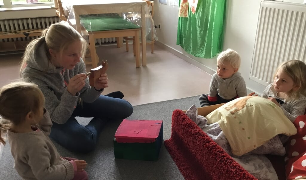 Rieka Witt er kommet med masser af nye ideer, som både personalet og børnene i Sønder Brarup Børnehave er hoppet med på.  ( Sønder Brarup Børnehave)