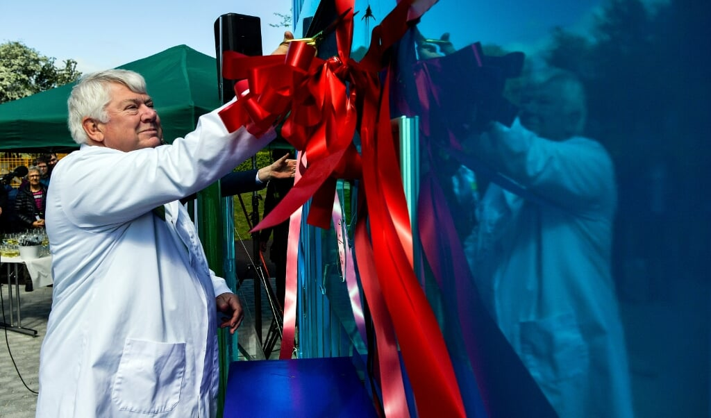Jørgen Mads Clausen i maj 2019 da han indviede et mini-saltkraftværk som attraktion i oplevelsesparken Universe, som han selv var med til at grundlægge i 2005. Anlægget var en gave fra parken i anledning af hans 70-års fødselsdag året før.   (Arkivfoto: Timo Battefeld, JydskeVestkysten)