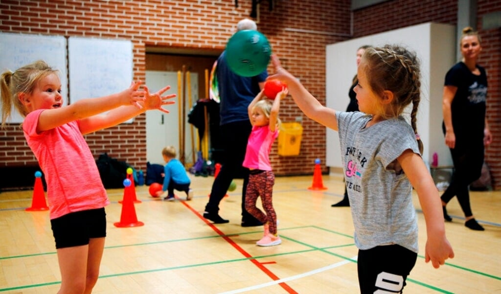 Ab dem 21. april dürfen Kinder und Jugendliche in Dänemark wieder in einer Sporthalle trainieren.   ( Jens Hasse, DGI)