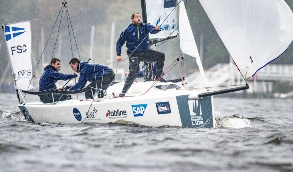 Die Crew des Flensburger Segel-Clubs hat eine Woche mehr Vorbereitungszeit. Der Saisonstart wurde um eine Woche verschoben.  ( Lars Wehrmann, SBL)