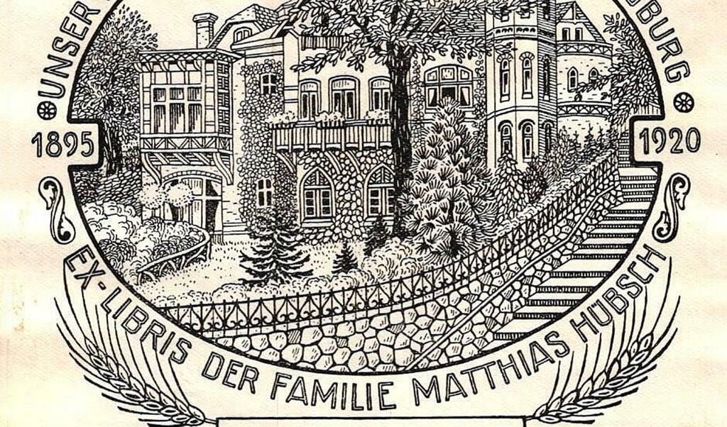 Det var Matthias Hübsch, der lod villa Schöneck opføre på Nørregravene i Flensborg. I dag huser villaen det danske generalkonsulat i Flensborg.  (Kilde: Kobbermølle Museum)
