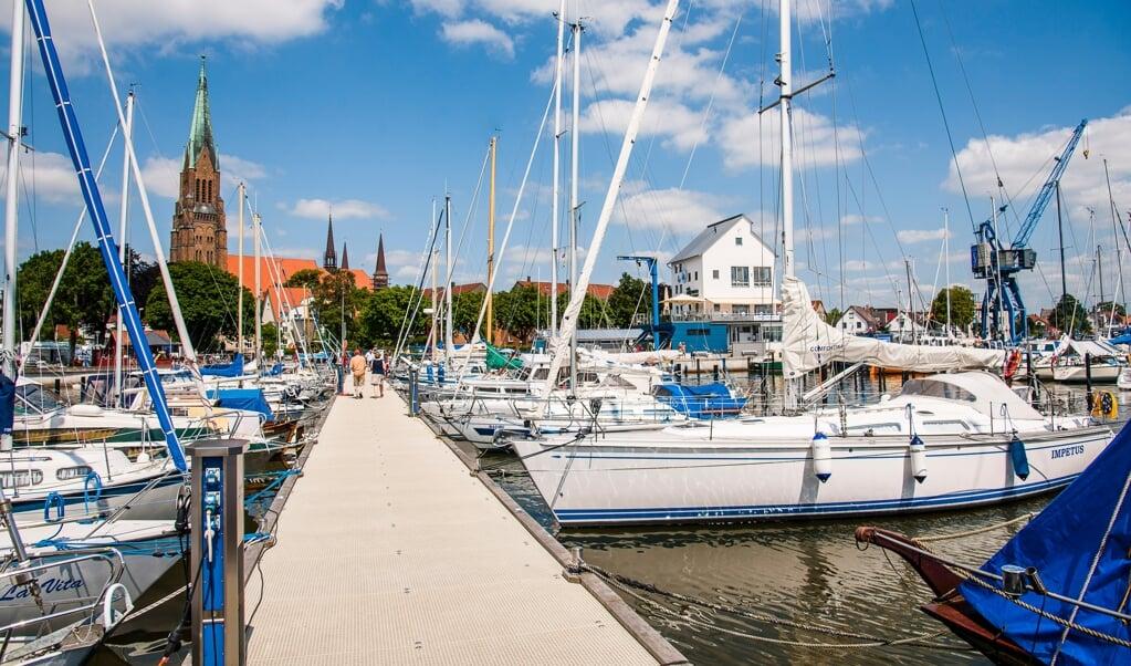 Wenn am kommenden Montag der Startschuss für das Modellprojekt »Schleiregion/Eckernförde« fällt, ist auch der Sportboothafen in Schleswig dabei. Archivfoto:   (OfS/Matzen)