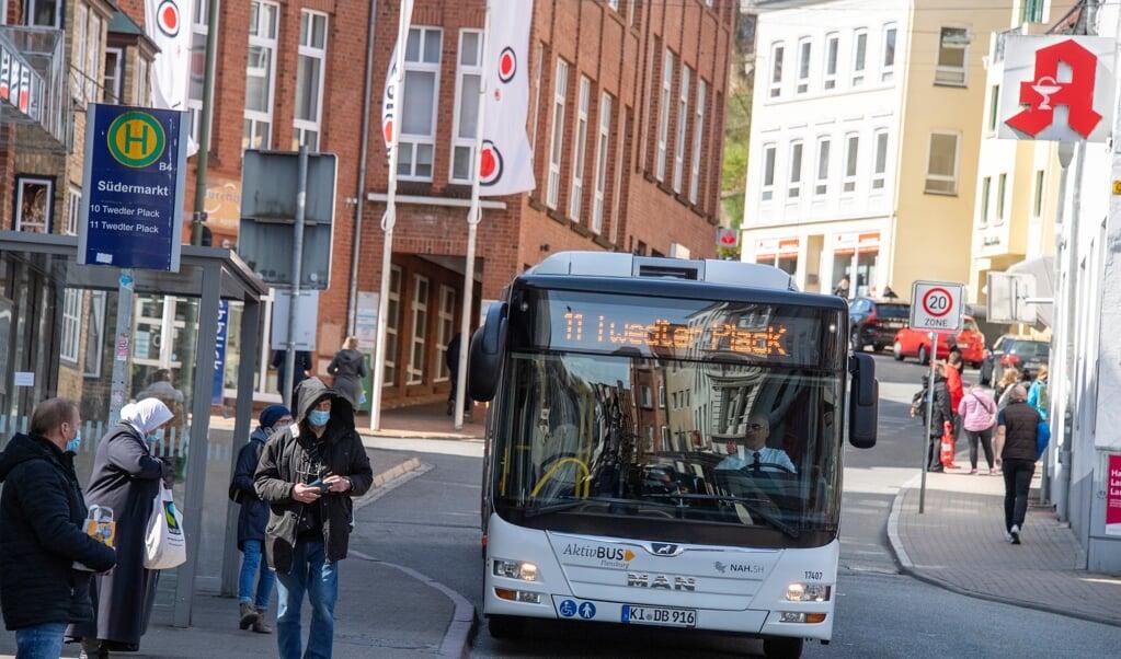 Gratis offentlig transport i en begrænset periode kan blive en realitet. Målet med forslaget er at få flere mennesker til centrum og sætte gang i byen.   (Arkivfoto: Tim Riediger)