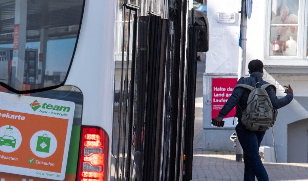 Prisstigningen på billetter bliver ikke indført for at dække udgifterne til en dag om måneden med gratis busture, oplyser Aktiv Bus' direktør Paul Hemkentokrax. Arkivfoto:  (Tim Riediger)