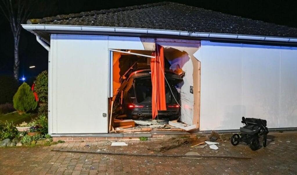 Først helt inde i bungalowens gæsteværelse, standsede den dansk indregistrerede Audi.    (Arne Jappe)