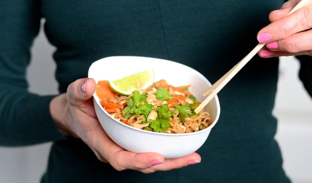 Pad Thai er let og hurtig mad. Super sundt og smagfuldt. Klik ind og hent opskriften.  ( Camilla Pi Kirkegaard)