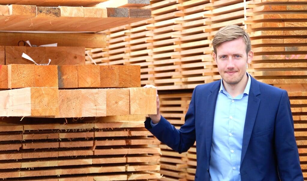 Direktør Martin Lenther Petersen, Frøslev Træ i Padborg, mærker også knapheden på træ til byggeri. Det er foreløbigt slut med at tage nye kunder ind. Arkivfoto   (Arkivfoto)