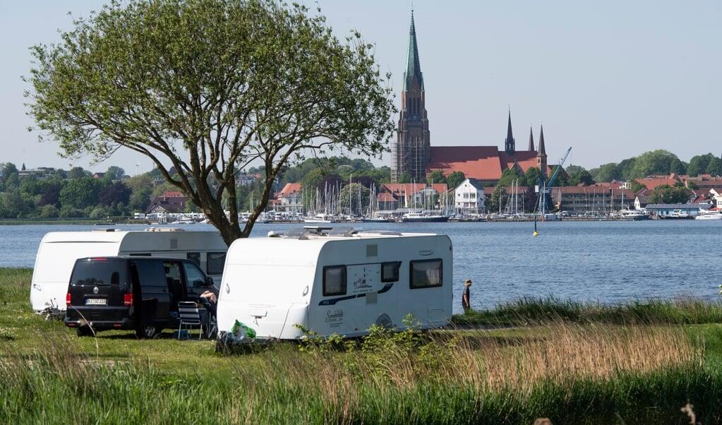 Sollte die Bewerbung der Ostseefjord Schlei GmbH Erfolg haben, können auch Campingplätze - wie hier in Haithabu - wieder Touristen aufnehmen. Archivfoto:  (Tim Riediger)