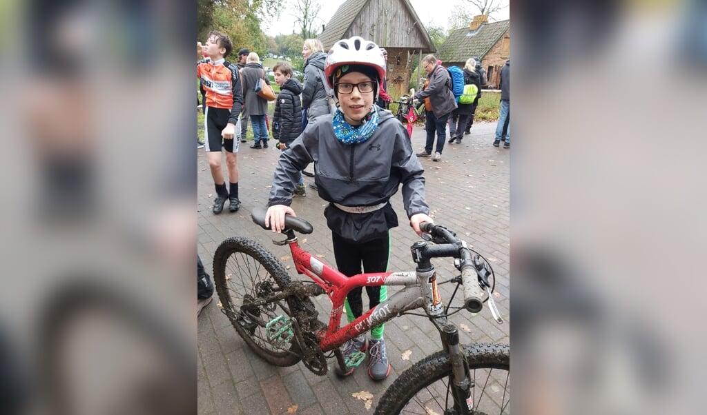 Fynn elsker triatlon. At cykle er en del af det.  ( privat)