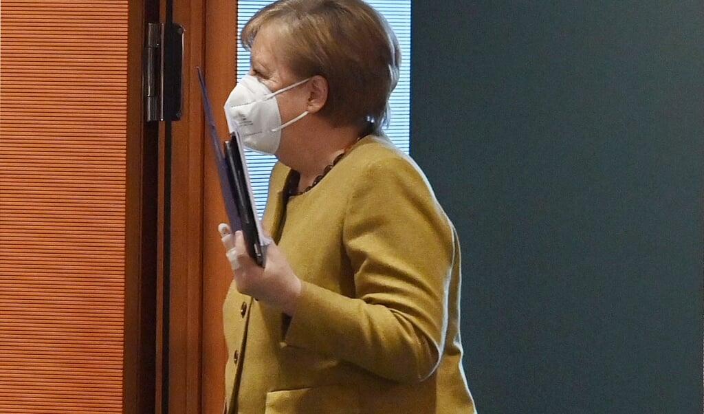 Merkel ankom tirsdag morgen til regeringsmødet.    (John Macdougall/AFP POOL/dpa)