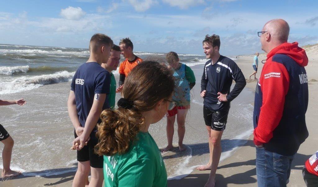 Håndbold-campen i Hvide Sande/Vesterled handler ikke udelukkende om håndbold. Svømning og beachhåndbold står også pa agenda, alt efter hvad vejret tillader.  ( Stephan Krüger)