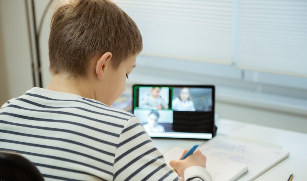 700 »devices« er blevet delt ud i Skoleforeningen.  (  Skoleforeningen)