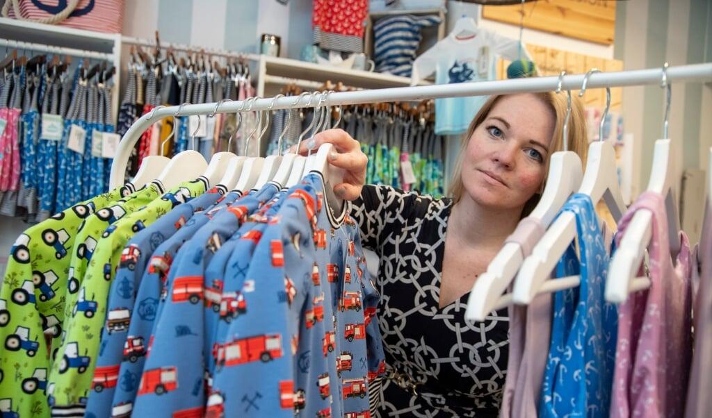 Janina Bockmeier kæmper for, at hendes butik i Flensborg, Zwergenbande, vil overleve til flere kriser.   (Tim Riediger)