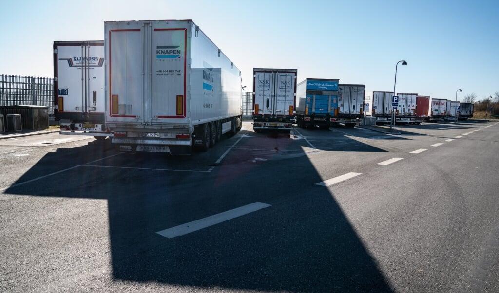 Tilbage i 2018 vurderede Vejdirektoratet, at man med en investering på omkring 180 millioner kroner kunne øge kapaciteten på 21 rastepladser langs motorvejsnettet til i alt 825 parkeringspladser til lastbiler.   ( Emil Helms, Ritzau Scanpix )