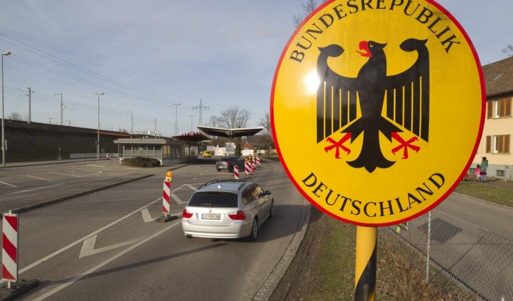 En række EU-lande, herunder Tyskland, har de seneste år indført midlertidig grænsekontrol, som skal anmeldelse til EU-Kommissionen hvert halve år. Den danske regering ønsker at ændre de regler, som EU-landene selv bestemmer, hvornår, hvor længe og hvordan de indfører grænsekontrol - eksempelvis med teknologisk overvågning.  (Mandola Media/Ritzau Scanpix)