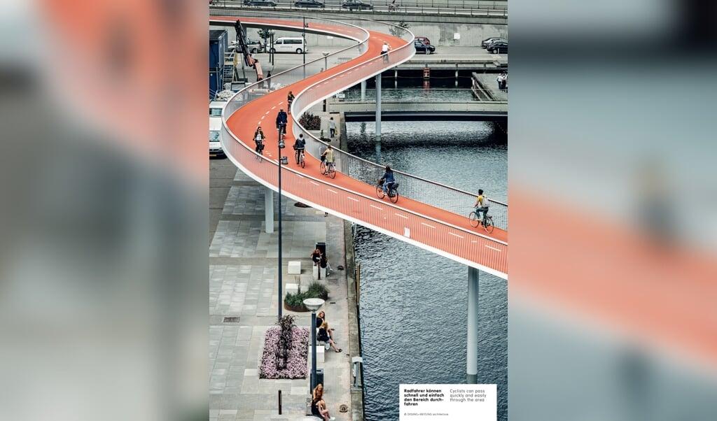Billedet fra København viser, hvordan cyklister nemt og sikkert kan køre på deres egen vej. Billedet her og de to eksempler fra Essen og Portland stammer fra udstillingen »Fahr Rad!«, som bliver vist på Robbe & Berking Museum.   (Dissing + Weitling architecture)