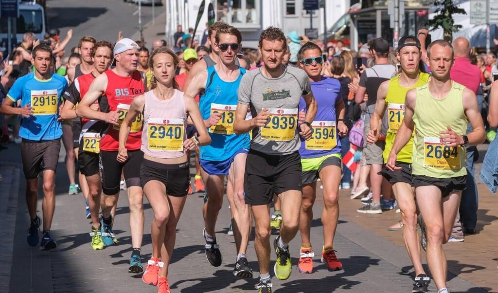 Von Läufern gesäumte Straßen in Flensburg wird es nach der Absage des Flensburg Marathons in diesem Jahr nicht geben.  (Archivfoto)