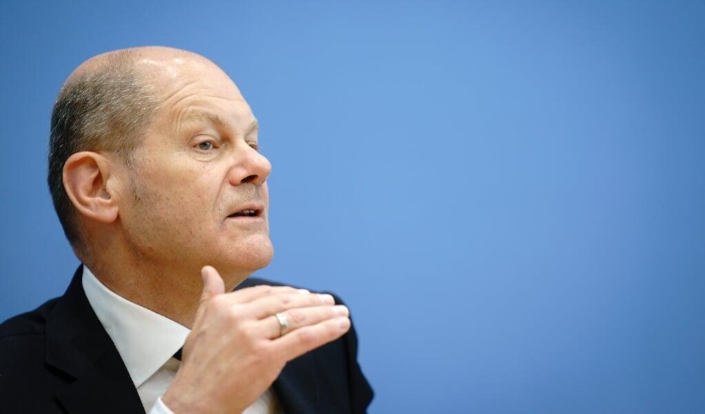 Finansminister Olaf Scholz er ikke bekymret trods manglende skatter og kæmpe gæld.   (Kay Nietfeld/dpa)