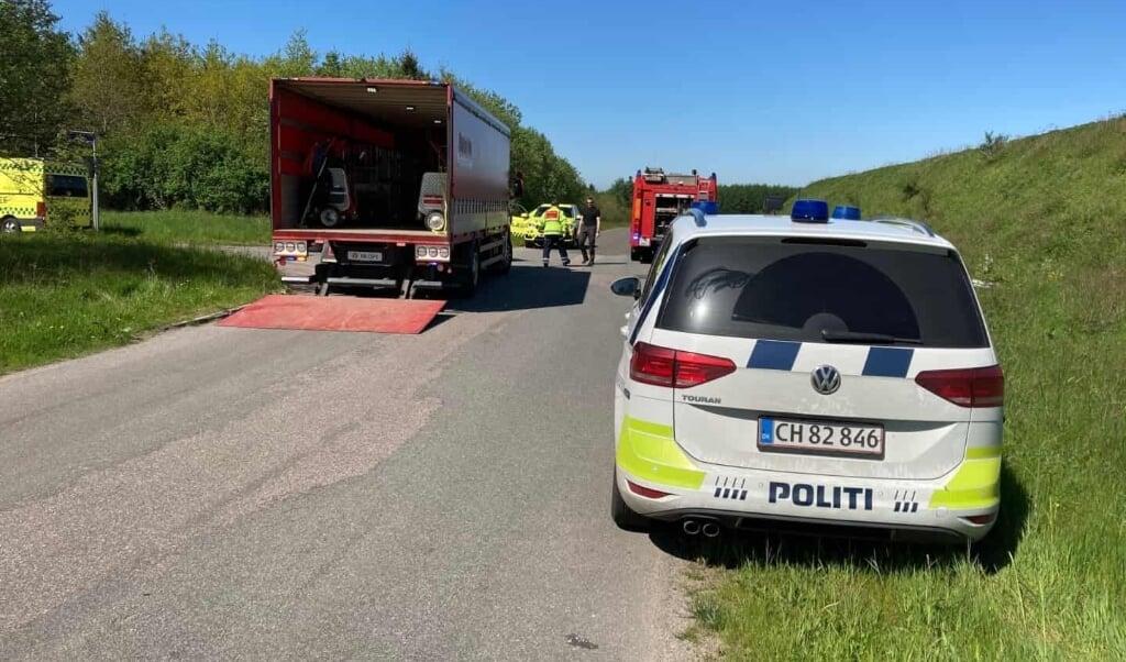 En afdød mand blev søndag formiddag fundet under en græsslåmaskine ved Erhvervspark Vandel.   ( Flemming Larsen)