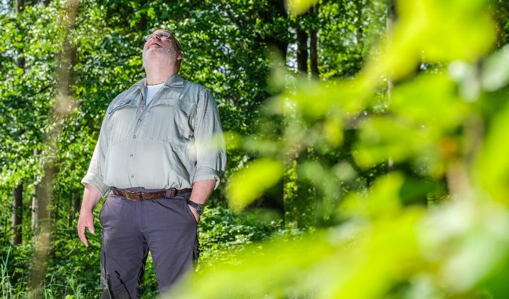 Skovfoged Mathias Dreier ser ikke resultatet af sit arbejde før om mange år - måske aldrig.  ( Sebastian Iwersen)