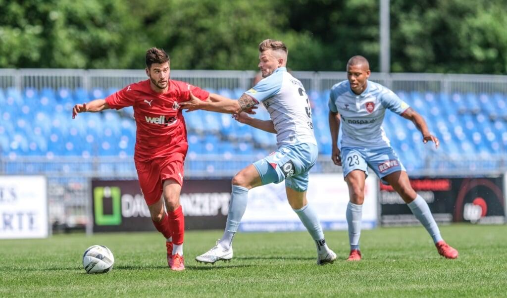 Der SC Weiche Flensburg 08 um Dominic Hartmann hatte noch etliche Anlaufschwierigkeiten im ersten Testspiel der Vorbereitung.  ( Sven Geissler)