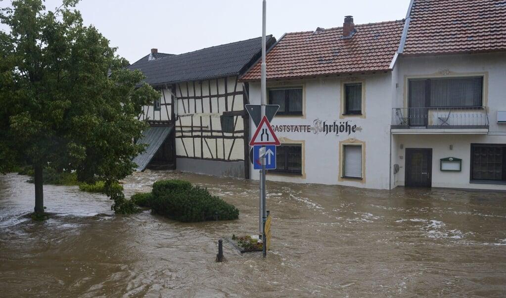 I byen Esch i Ahrweiler er gaderne omdannet til floder.  (Thomas Frey/Ritzau Scanpix)