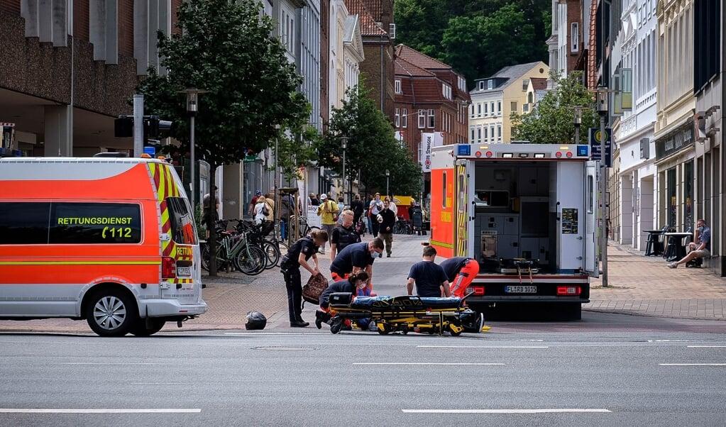To ambulancer var i aktion på uheldsstedet.   (Justin Nowaczyk)