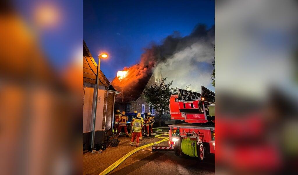 Da brandfolkene kom frem, var flammerne allerede flere meter høje.  ( Berufsfeuer Flensburg)